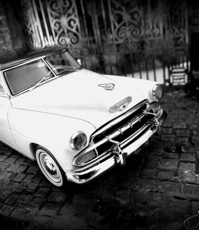 Chevrolet de Luxe HT COUPE  Diorama  scale  1:43