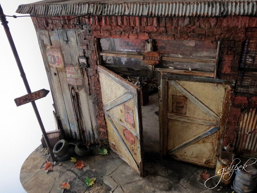 dıorama_garage_paper_handmade_door_art